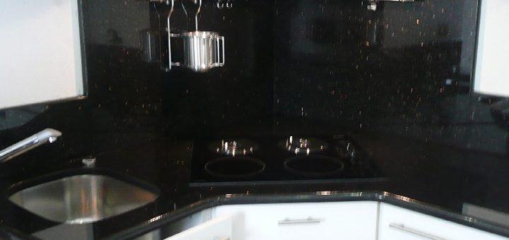Marbre Noir Cuisine. Amazing Plan Cuisine Granit Pierre Adouci Poli ...