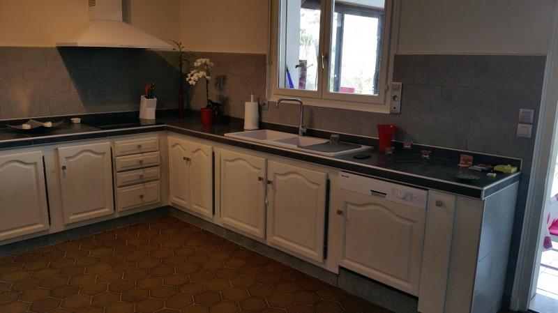 Plan de travail sur mesure cuisine sofag for Une cuisine sur mesure