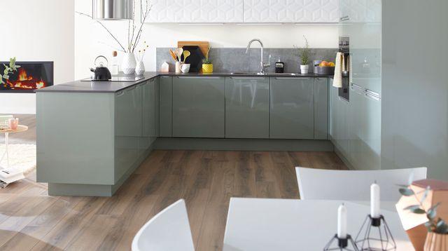 faire sa cuisine en ligne sofag. Black Bedroom Furniture Sets. Home Design Ideas