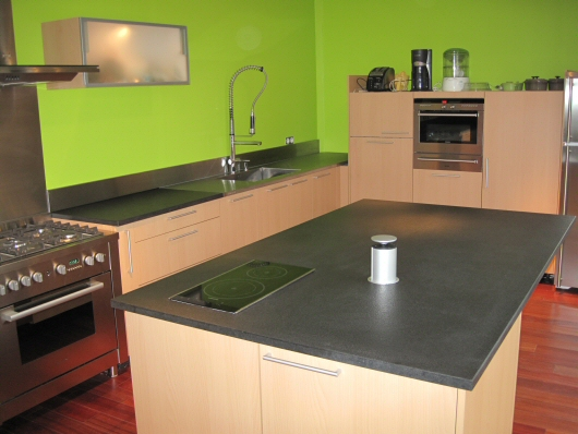prix d un plan de travail cuisine en granit sofag. Black Bedroom Furniture Sets. Home Design Ideas