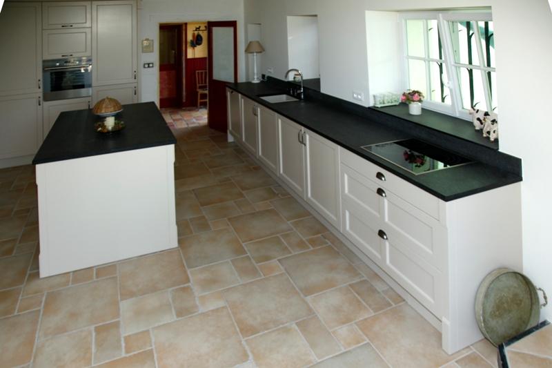 Plan de travail en quartz noir sofag for Plan de travail cuisine quartz ou granit