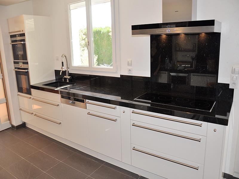 cuisine plan travail granit sofag. Black Bedroom Furniture Sets. Home Design Ideas