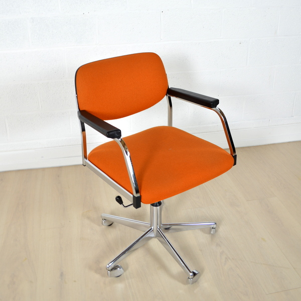 chaise bureau vintage sofag. Black Bedroom Furniture Sets. Home Design Ideas